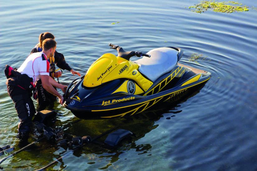 Beveilig schepen, boten, waterscooters en buitenboord motoren met een GPS tracker