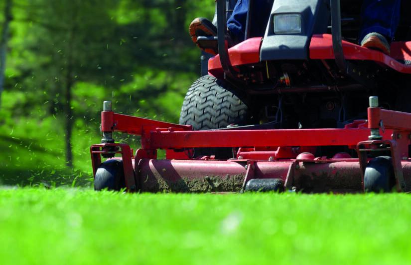 Plaats de GPS trackers bijvoorbeeld onder een tractor of ander landbouwsysteem